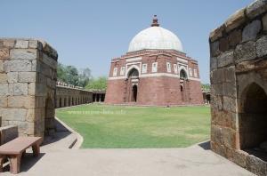 Ghiyas ud - Din Tughluq's Tomb, Delhi