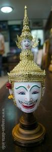 A celestial Khon Mask