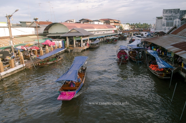 Amphawa Floating Market 10