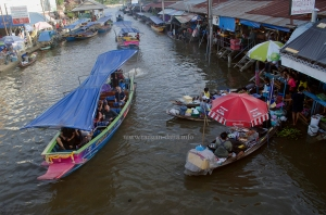 Amphawa Floating Market 8