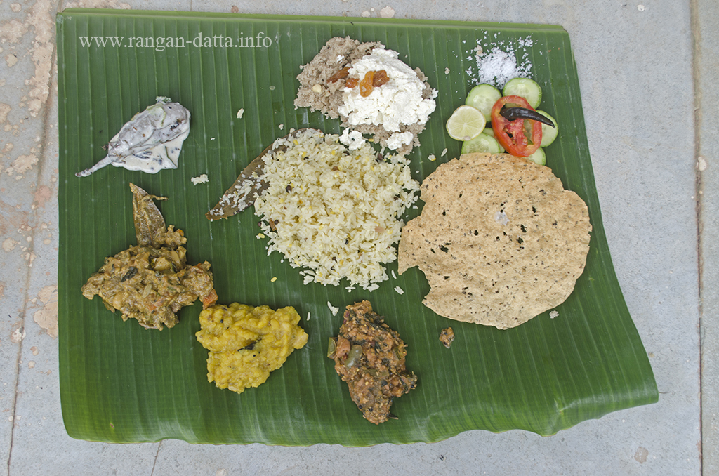 Traditional Odiya Lunch at Raghurajpur, near Puri