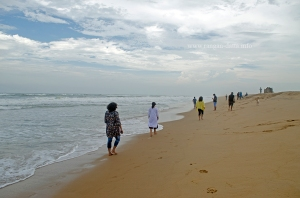 Fellow Bloggers take a stroll at Chilika Sea Mouth (Mohana)