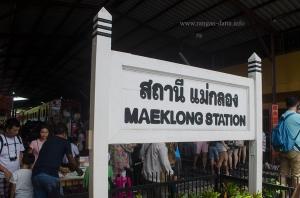 Maeklong Rail Market 2