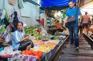Maeklong Rail Market 5