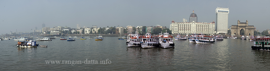 Panoramic view of Apollo Bunder, with Gateway of India and Taj Mahal Hotel, from Elephanta ferry