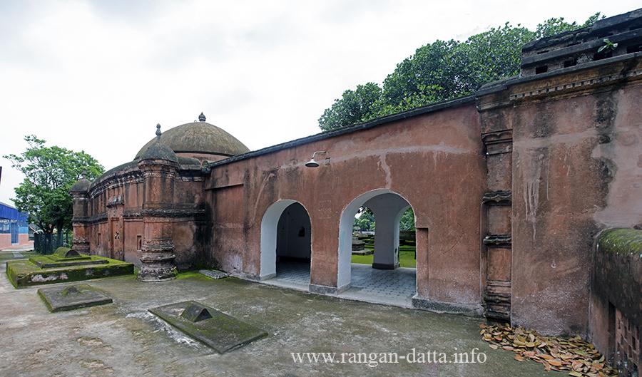 Tomb of Pir Baharam, Brdhaman