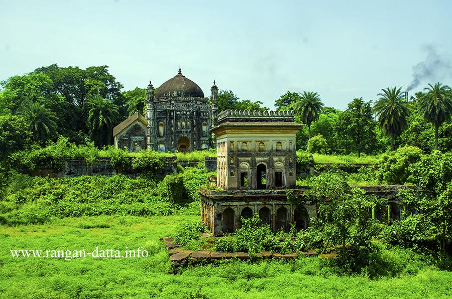 Complex of the Mausoleum of Khwaja Anwar (popularly known as Nawab Bari), Bardhaman