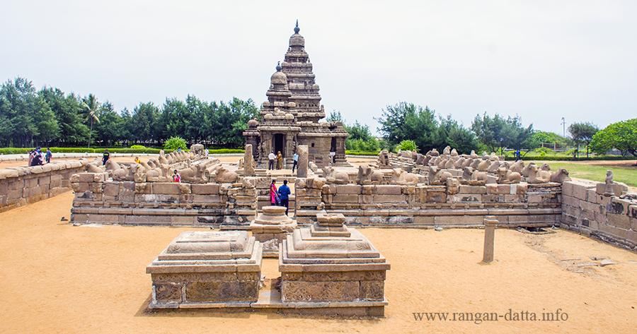 Shore Temple, Mahabalipuram (Mamallapuram), view from west side